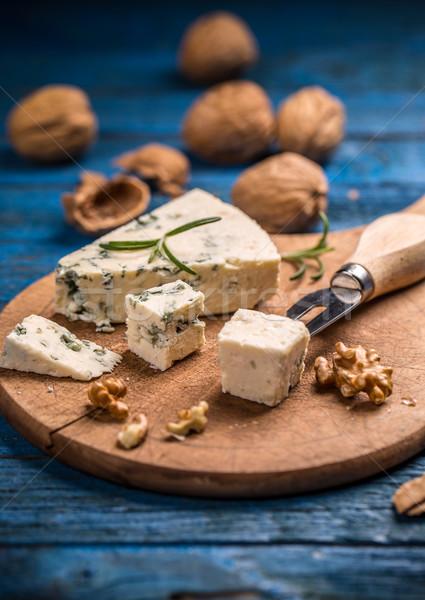 Formaggio tipo gorgonzola dadi tagliere alimentare blu Foto d'archivio © grafvision