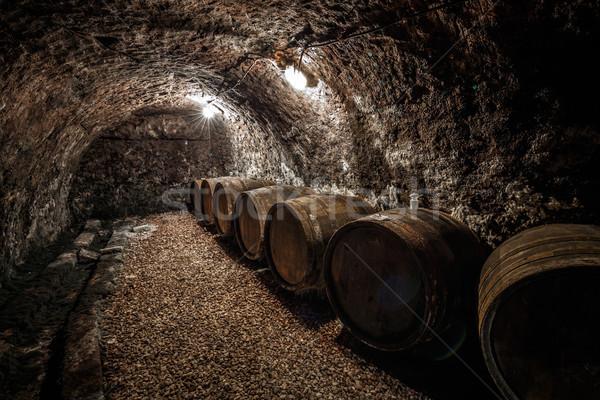 Oude wijnkelder hout retro donkere alcohol Stockfoto © grafvision