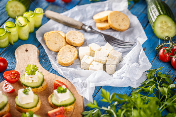 Buli mini harapnivalók bruschetta fetasajt uborka Stock fotó © grafvision