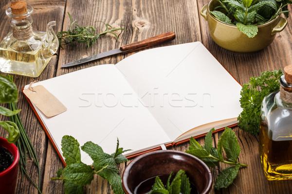 Książka kucharska przepisy starych drewna liści Zdjęcia stock © grafvision