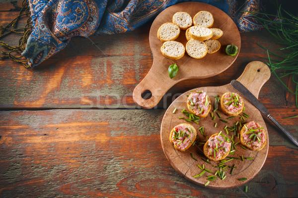 Bruschetta rebanada ahumado cerdo preparado frescos Foto stock © grafvision