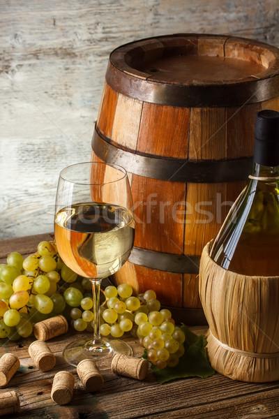Naturaleza muerta vino botella de vino vidrio barril alimentos Foto stock © grafvision
