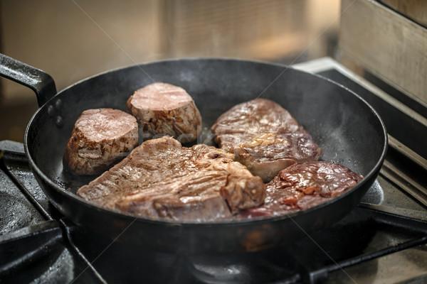 Jugoso a la parrilla sartén alimentos restaurante cena Foto stock © grafvision