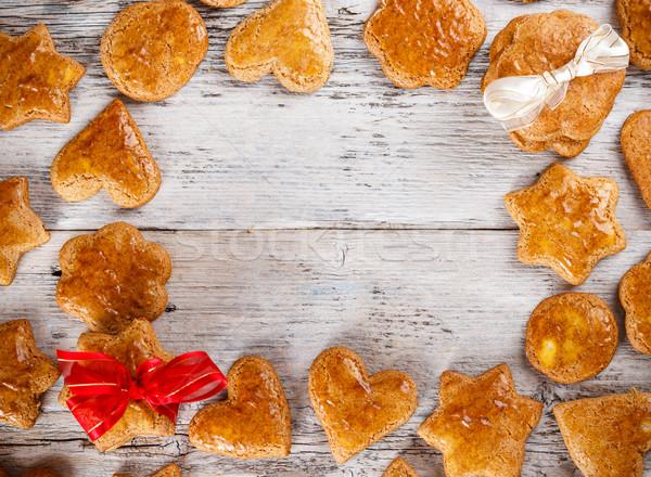 Mézeskalács sütik karácsony házi készítésű fa asztal keret Stock fotó © grafvision