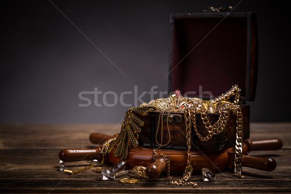 Schatkist sieraden houten goud vintage zeilen Stockfoto © grafvision