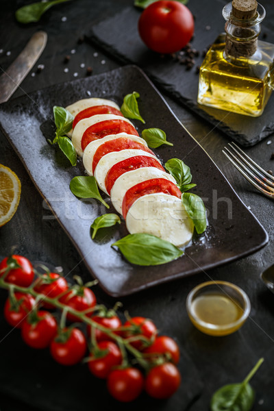 традиционный итальянский томатный Салат Капрезе моцарелла Сток-фото © grafvision
