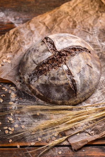 Házi készítésű rozs kenyér klasszikus fa deszka étel Stock fotó © grafvision