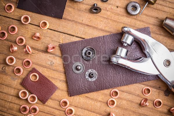 Krawiec pracy sztuk skóry narzędzie produkcji Zdjęcia stock © grafvision