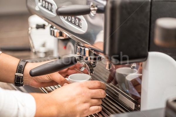 Barista werk koffie drinken Stockfoto © grafvision