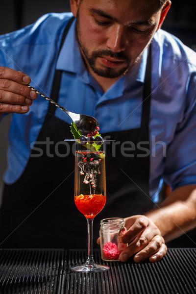 Garçom champanhe vidro restaurante bar coquetel Foto stock © grafvision