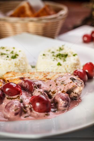 Gegrilde kip borst zuur kers saus Stockfoto © grafvision