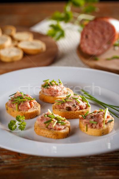 Segurelha fumado salsicha bacon carne de porco pão Foto stock © grafvision