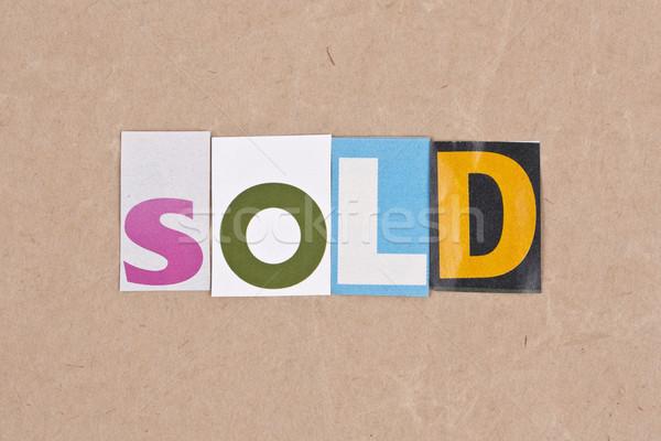 Uitverkocht brieven teken brief kurk tekst Stockfoto © grafvision
