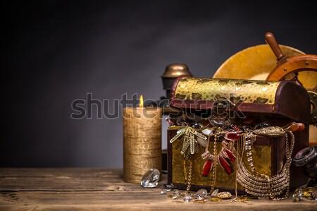 Piraten Brust golden Schmuck Holz Feld Stock foto © grafvision