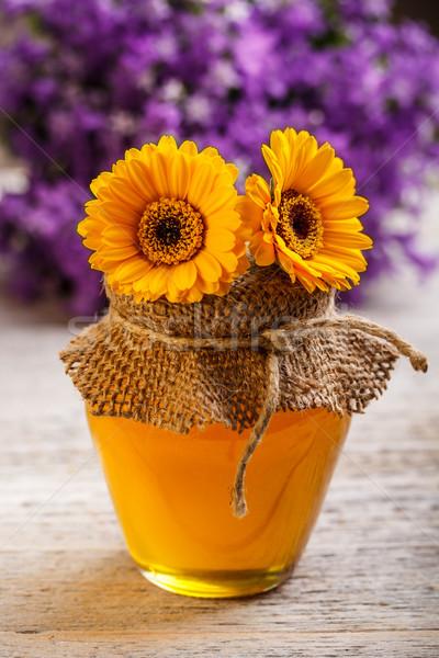 Foto d'archivio: Jar · miele · tavolo · in · legno · legno · vetro · dolce
