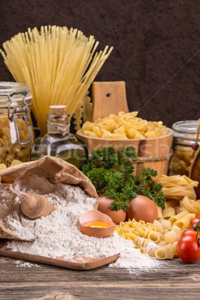 Pasta rauw voedsel meel ei zwarte plantaardige Stockfoto © grafvision