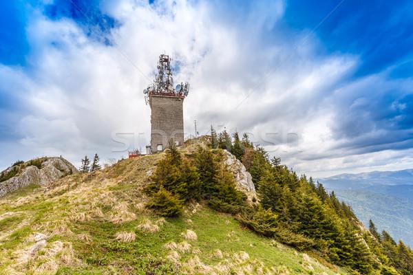 Telekomunikacja wieża satelitarnej dania radio szczyt Zdjęcia stock © grafvision