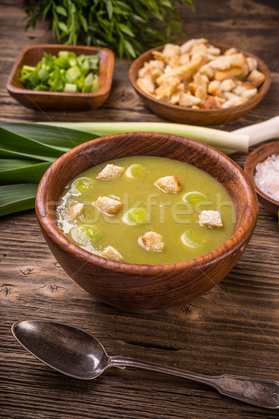 Prei aardappelsoep kom vintage houten tafel diner Stockfoto © grafvision
