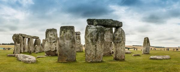 Stonehenge historique ciel nuages herbe prairie Photo stock © grafvision