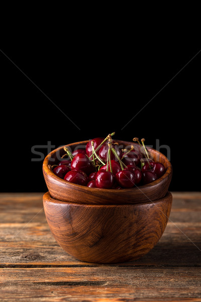 Zuur kersen vers houten kom hout Stockfoto © grafvision