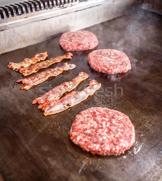 Frescos carne tocino cocido placa Foto stock © grafvision