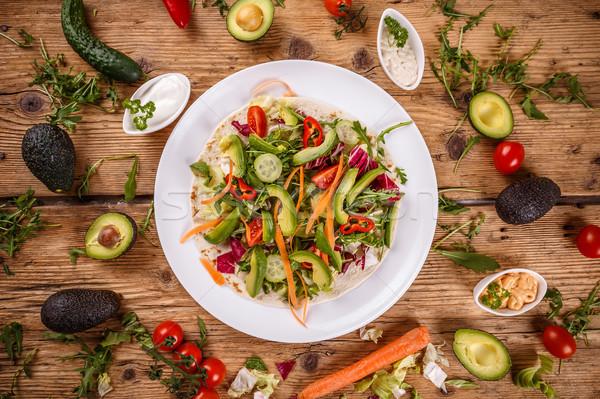 Gezonde rauw voedsel tortilla achtergrond groene diner Stockfoto © grafvision