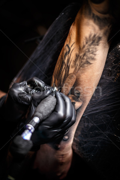 татуировка художник салона человека краской Сток-фото © grafvision