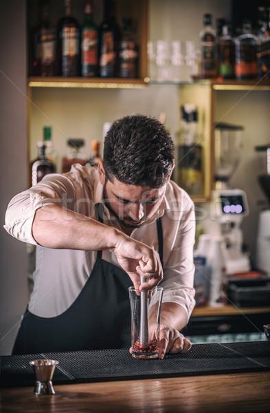 Profesyonel barmen kokteyl taze nar yaz Stok fotoğraf © grafvision