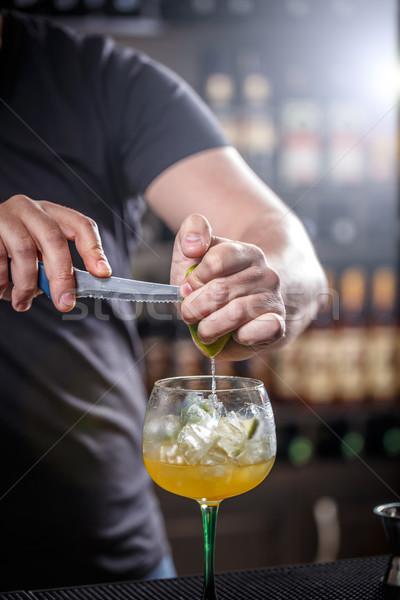 Barkeeper Kalk Erzeugnis Cocktail Party Glas Stock foto © grafvision