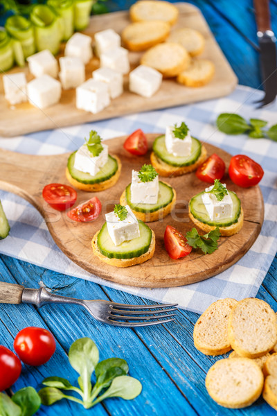 Sandwiches tomaten komkommer rustiek houten Stockfoto © grafvision