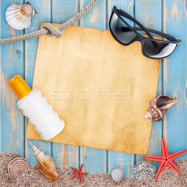 Férias férias na praia praia conchas óculos de sol queimadura de sol Foto stock © grafvision