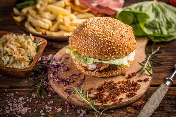 Hamburger rustiek houten voedsel achtergrond Stockfoto © grafvision