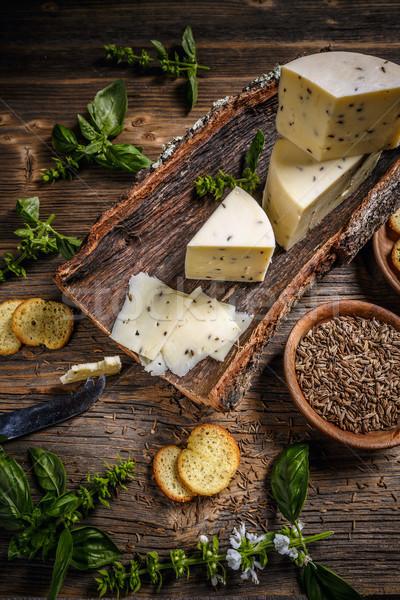 Kaas schors karwij zaden voedsel boord Stockfoto © grafvision