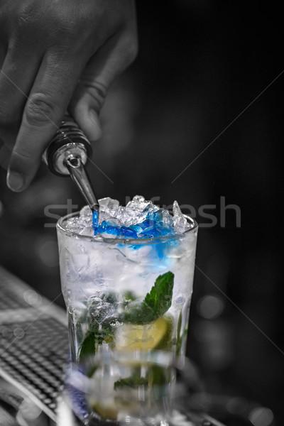 бармен синий сироп стекла Сток-фото © grafvision
