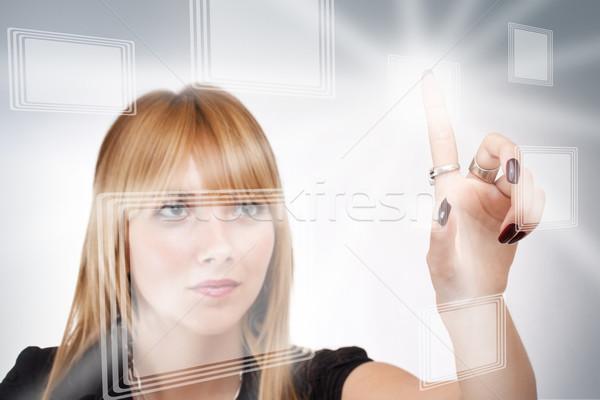 üzletasszony kisajtolás modern gombok virtuális kéz Stock fotó © grafvision