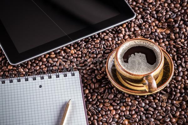 Kávészünet web böngészés internet kávé munka háló Stock fotó © grafvision