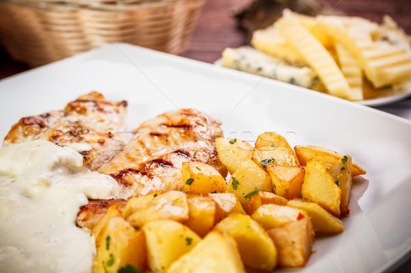 Foto stock: Pechuga · de · pollo · restaurante · queso · cena · carne · comedor