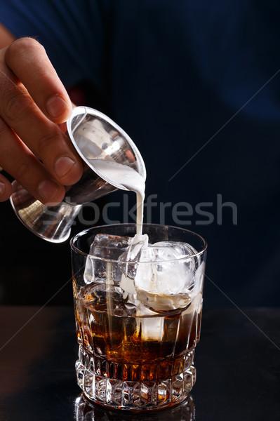 бармен белый русский коктейль ночном клубе льда Сток-фото © grafvision