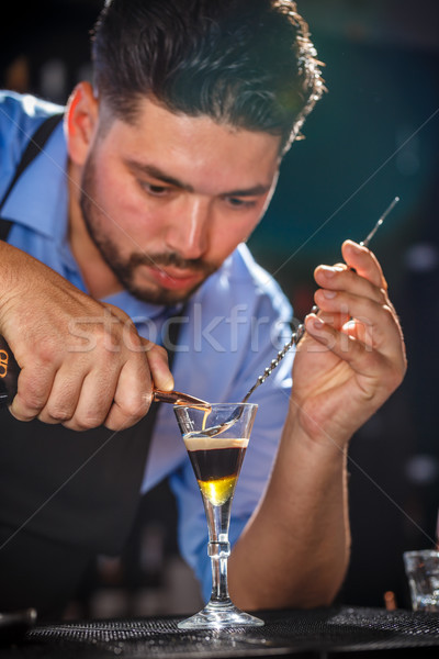 Barmen bar kaşık kokteyl el Stok fotoğraf © grafvision