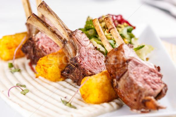 Baranka serwowane mięsa ziemniaczanej Zdjęcia stock © grafvision