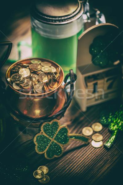 Dzień Świętego Patryka kalendarza 17 zielone piwa puli Zdjęcia stock © grafvision