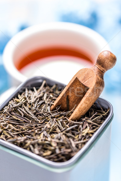 Secar chá folhas estanho lata Foto stock © grafvision