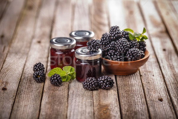 Maison BlackBerry gelée jar bois alimentaire Photo stock © grafvision