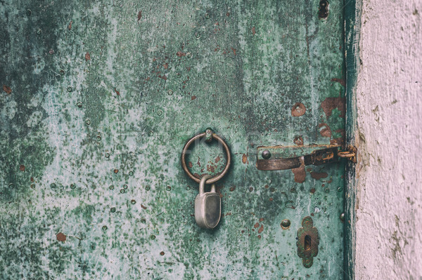 Enferrujado metálico porta velho pintar Foto stock © grafvision