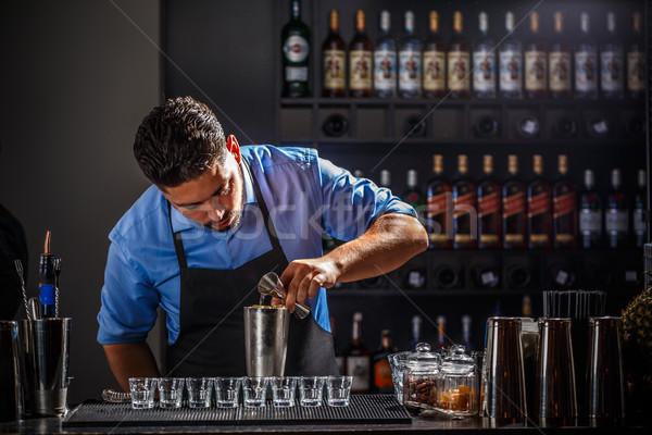 Stockfoto: Barman · alcohol · shaker · cocktail · bar