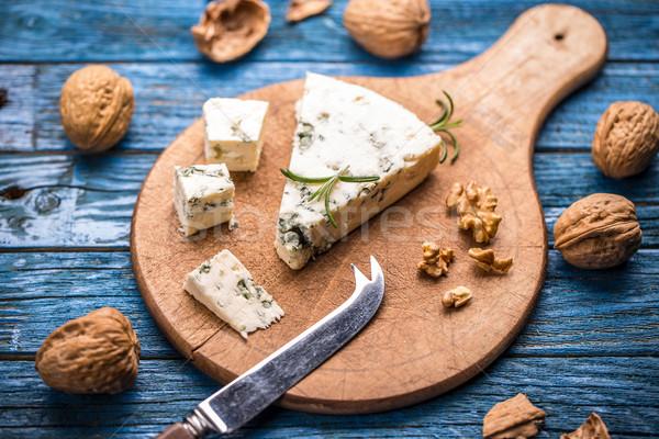 Formaggio tipo gorgonzola legno tagliere legno sfondo formaggio Foto d'archivio © grafvision