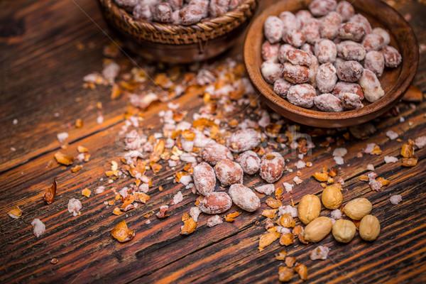 Sózott földimogyoró közelkép klasszikus fából készült étel Stock fotó © grafvision