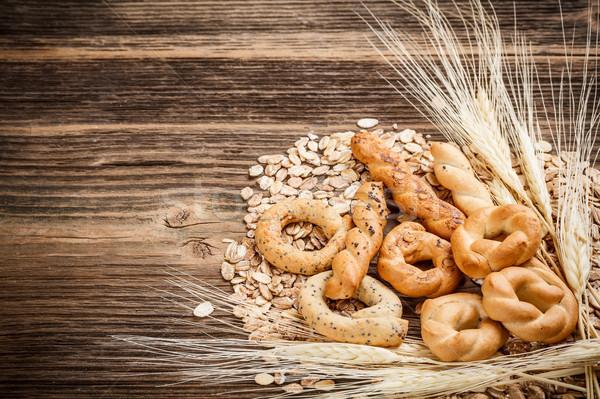 Kuru tuzlu kraker eski ahşap masa grup kahvaltı Stok fotoğraf © grafvision
