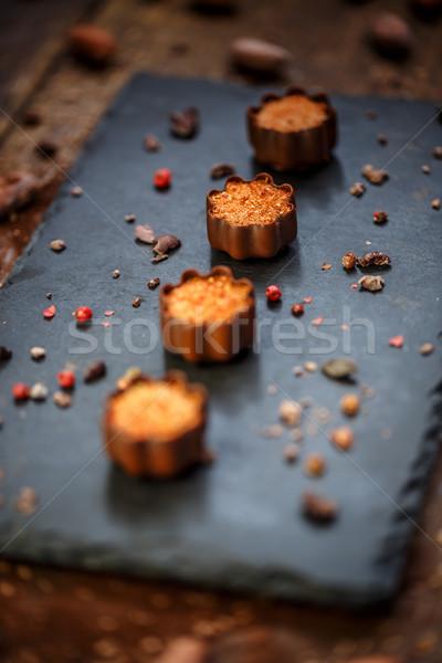 Csokoládé marcipán díszített rózsaszín bors felszolgált Stock fotó © grafvision
