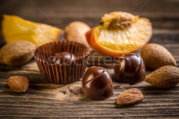 Chocolate caramelo almendra albaricoque fondo dulces Foto stock © grafvision